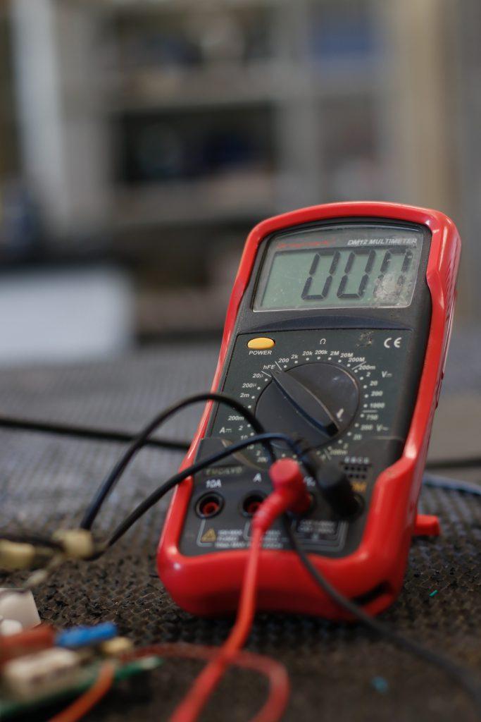 multimètre pour dépannage électrique